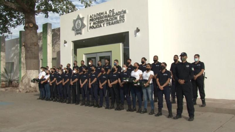 Reconocen a policias y cadetes en Cajeme