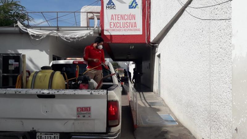 Ayuntamiento continúa con las labores de sanitización en espacios públicos