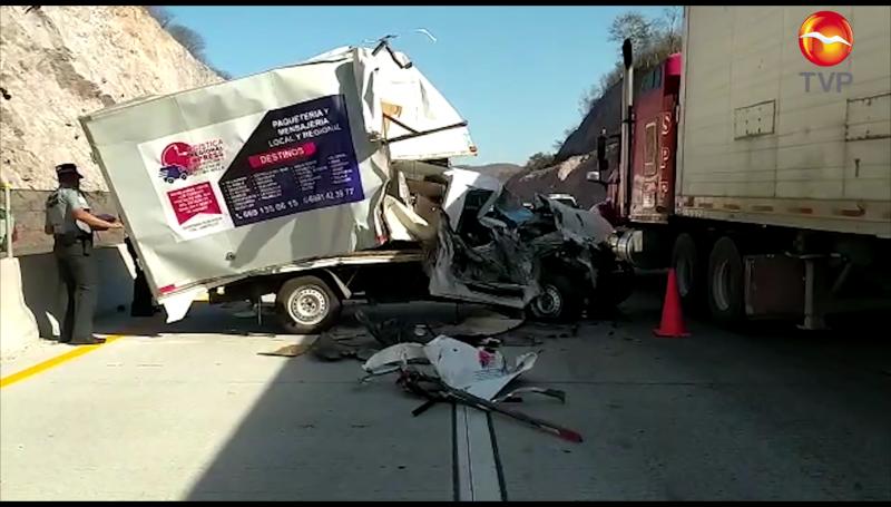 Aparatoso accidente, conductor sale ileso