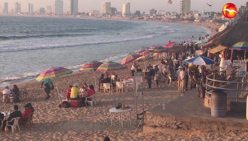 Playas lucen concurridas este fin de semana en Mazatlán
