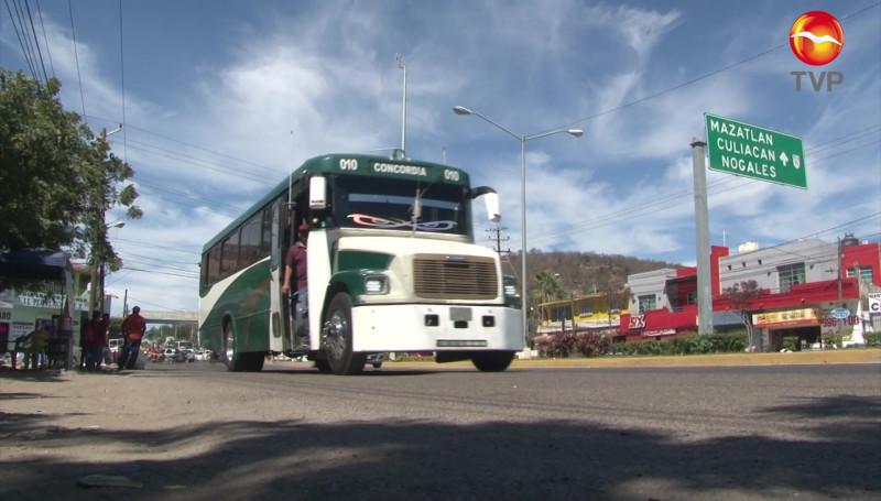 Chóferes de camiones foráneos víctimas de asaltos