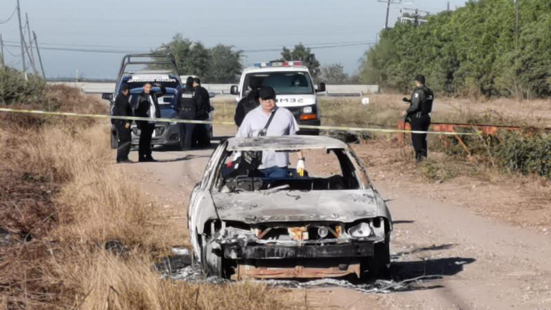 Encuentran un automóvil calcinado, en su interior estaban los restos de una persona