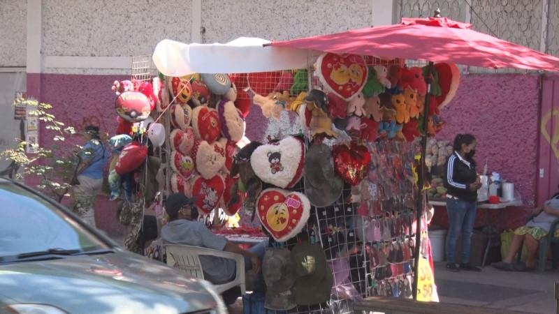 Llegan corazones al centro de Culiacán