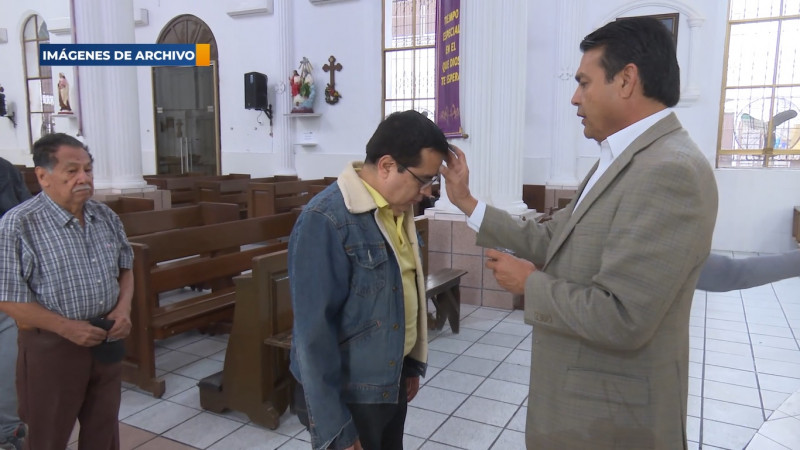 Miércoles de Ceniza sera diferente; iglesia esparcirá ceniza en la cabeza
