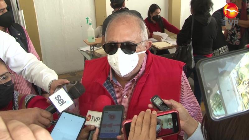 Titubea el Químico Benítez, aún no decide si ir por la gubernatura o la reelección
