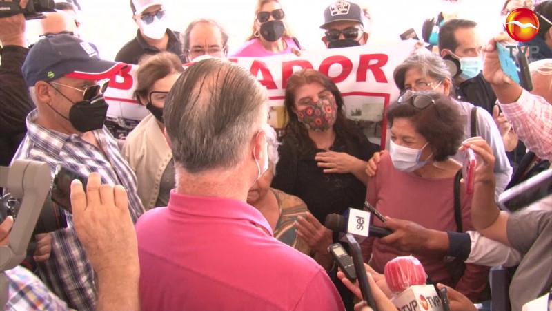 Atiende el Gobernador Quirino Ordaz a vecinos de El Toreo