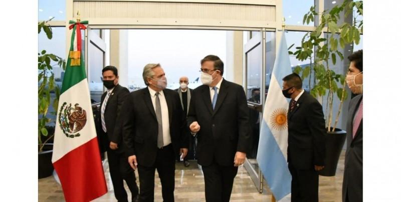 El presidente de Argentina llega a México para la conmemoración de los 200 años de la Independencia Mexicana