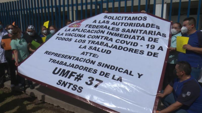 Se manifiesta personal médico de UMF 37 del IMSS en Los Mochis; exigen la vacunación