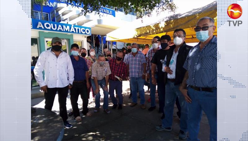 Se quejan habitantes de El Quelite por altos costos de tarifa de agua