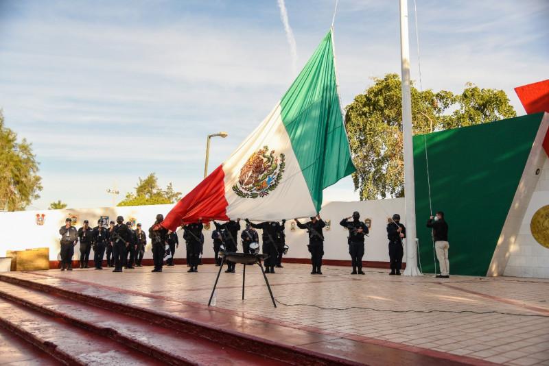 Autoridades de Ahome celebran Día de la Bandera Mexicana