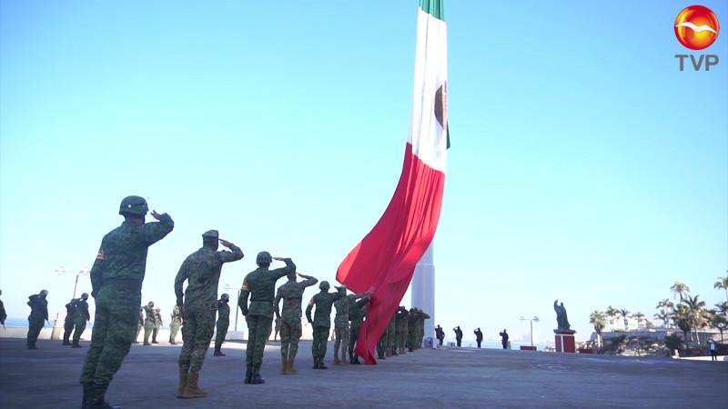 Con llamado a la unidad celebran el Día de la Bandera en Mazatlán