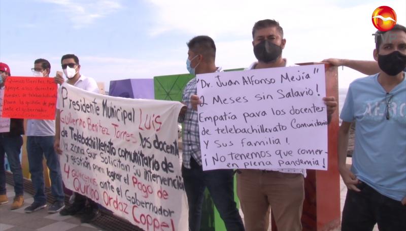 Maestros de Telebachillerato exigen se les paguen cuatro quincenas atrasadas