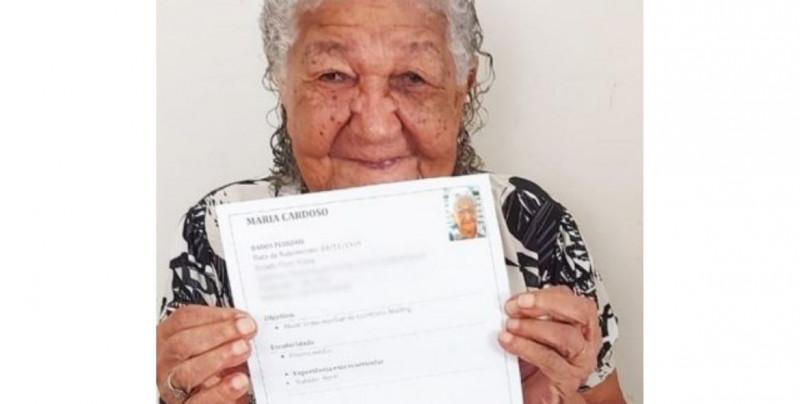 María conmueve al mundo por buscar trabajo a sus 101 años para no depender económicamente de nadie