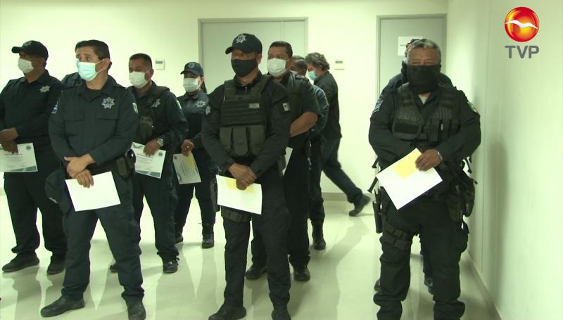 """Reconocen a policías """"del mes"""" en Mazatlán"""