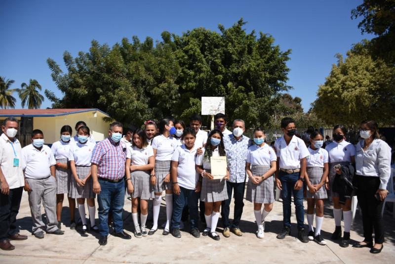 Construirán techumbres en escuelas de Nieblas, Rosario