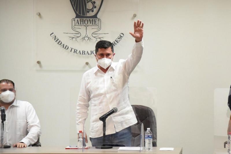 Pide licencia alcalde Billy Chapman en sesión extraordinaria de Cabildo