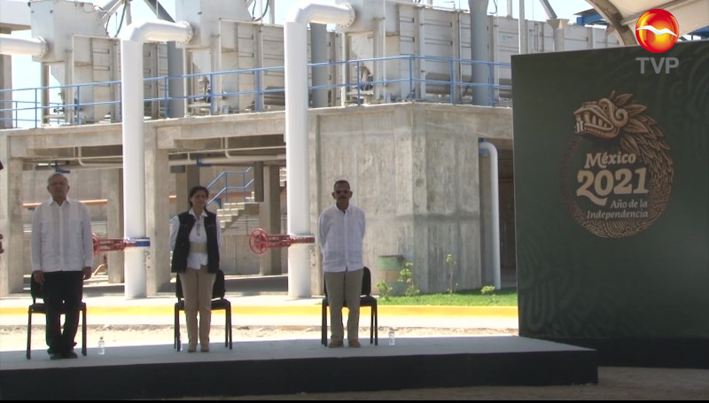 Inaugura AMLO plantas tratadoras de Urías I y II