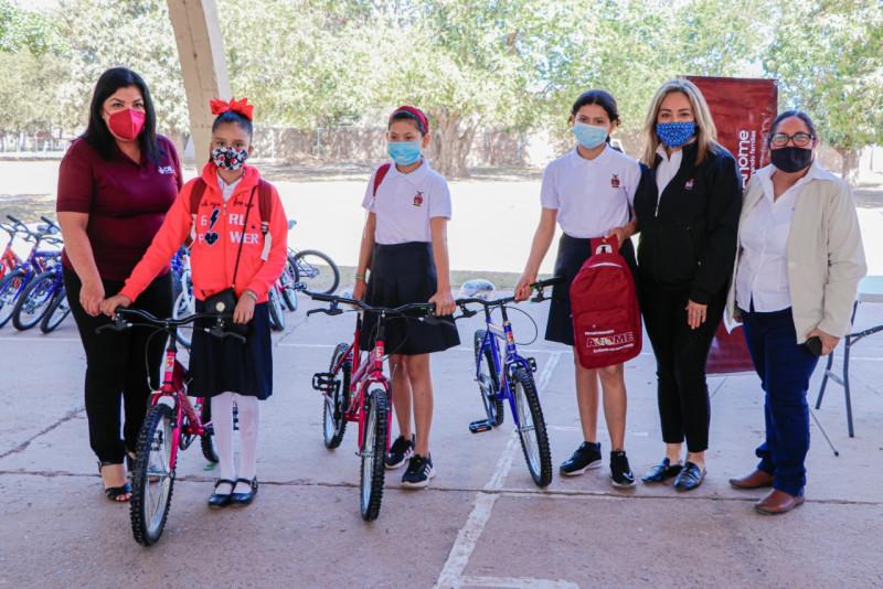 Entrega DIF Sinaloa bicicletas a niños y niñas de Ahome