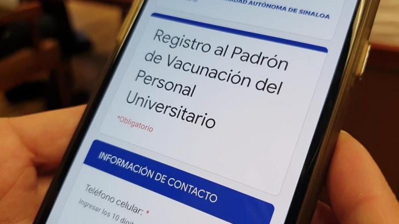 Entrega la UAS a autoridades padrón de vacunación Covid