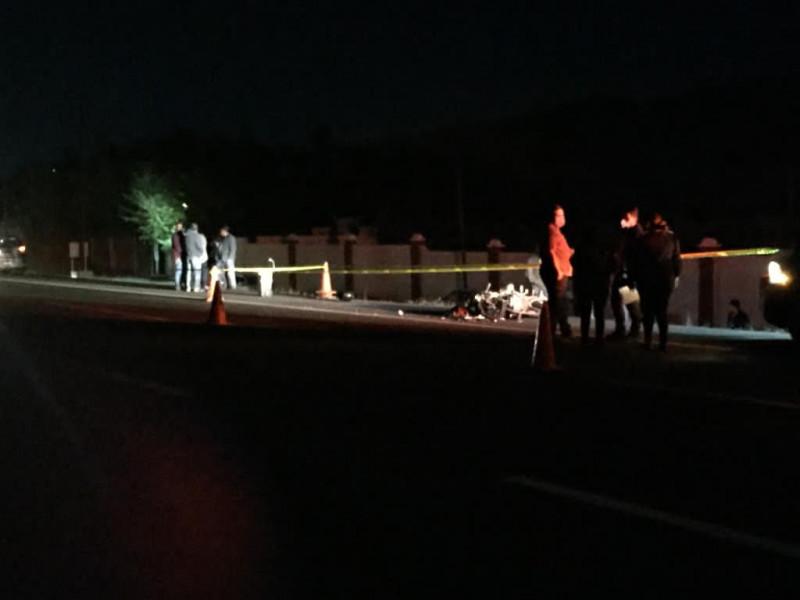 Choque entre motociclista y vehículo deja un muerto