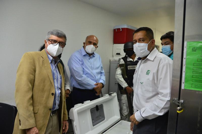 Llegan vacunas para adultos mayores de Mazatlán