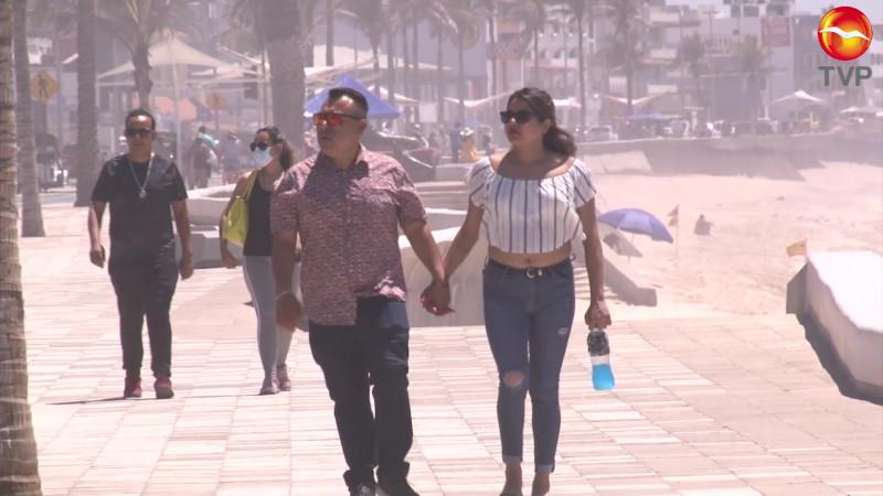 De cada 10 turistas en Mazatlán, sólo 6 portan cubrebocas
