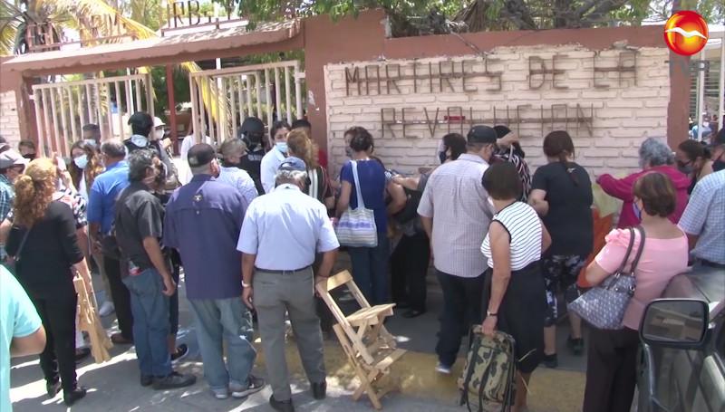 Retomarán este martes vacunación a adultos mayores en Mazatlán