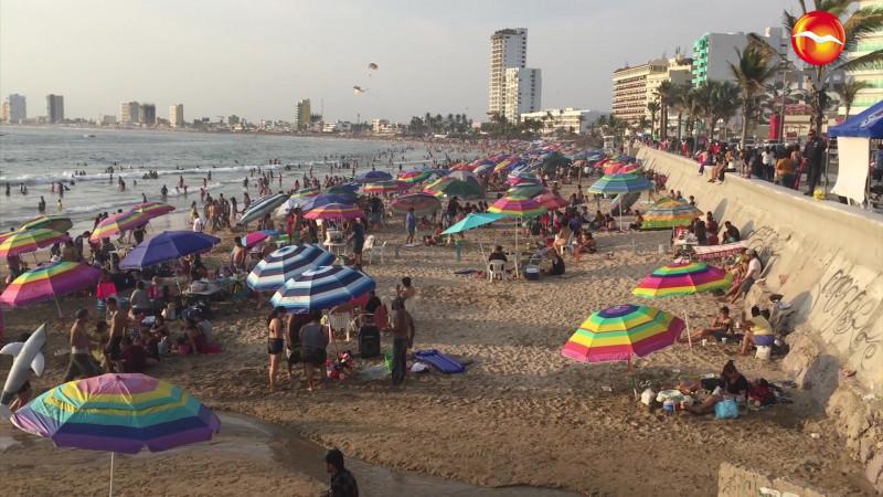 Llaman a cuidar del turismo familiar en Mazatlán