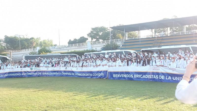Mil brigadistas de la UAS apoyan en vacunación contra el Covid en Culiacán