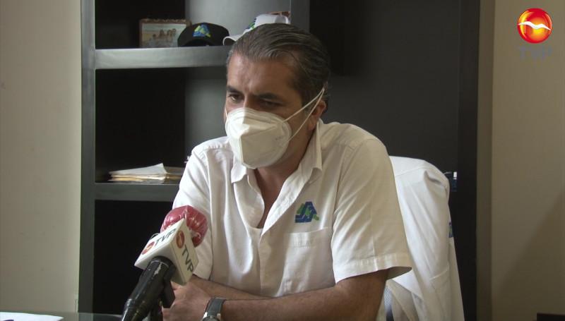 Piden a adultos mayores cuidarse del calor al momento de vacunarse