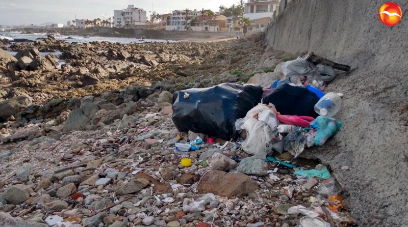 Permanece contaminación en playas de Mazatlán