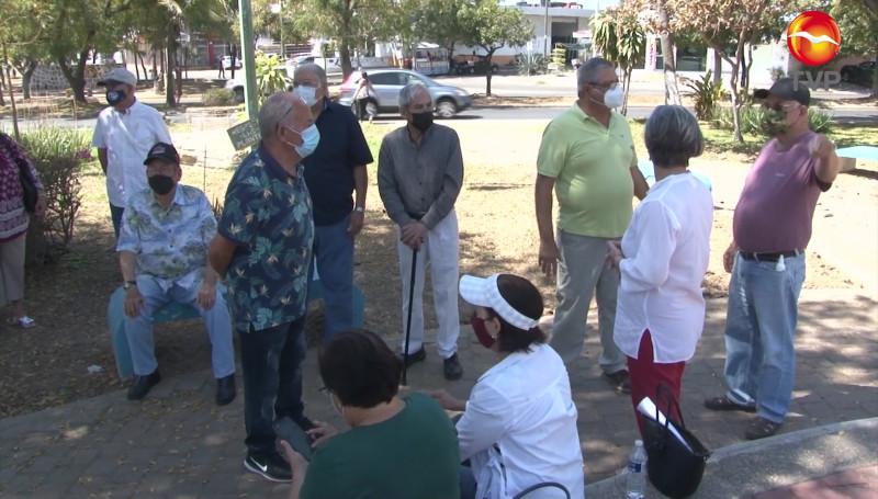 Jubilados de BANRURAL denuncian deficiencias en su sistema médico