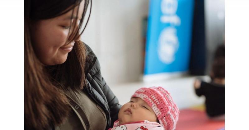 Madres lactantes que fueron vacunadas con vacuna de Pfizer le transmiten anticuerpos a sus hijos