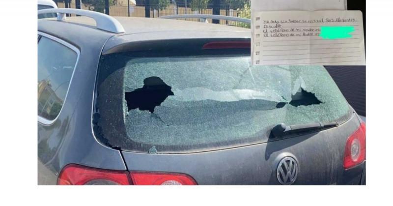 Alejandro rompió el cristal de un carro y dejó una nota disculpándose y con los teléfonos de sus padres