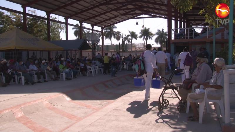 Llevan vacunación Covid a la zona rural de Mazatlán