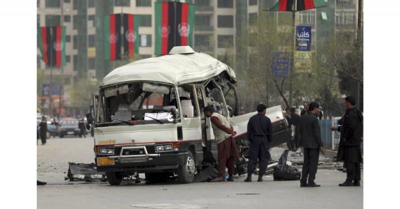 15 mueren tras explosión de minibús en Somalia