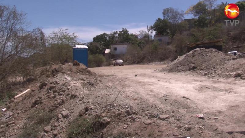 Denuncian invasión de área verde en Lomas del Ébano