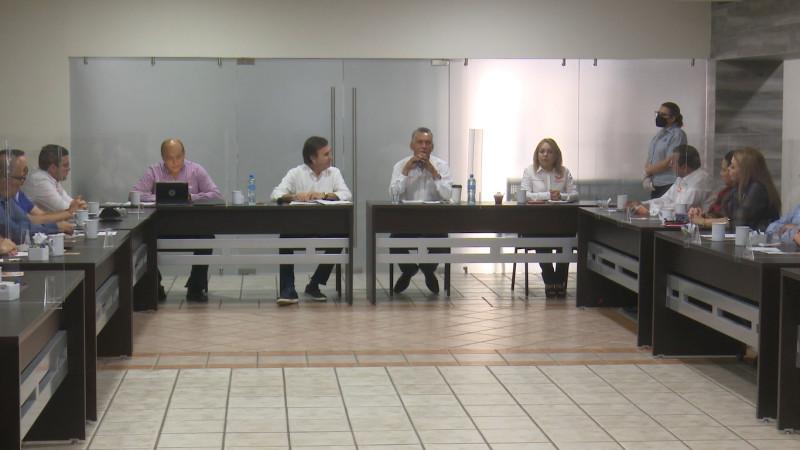 Sostiene Miguel Ángel Camacho reunión con empresarios de Los Mochis