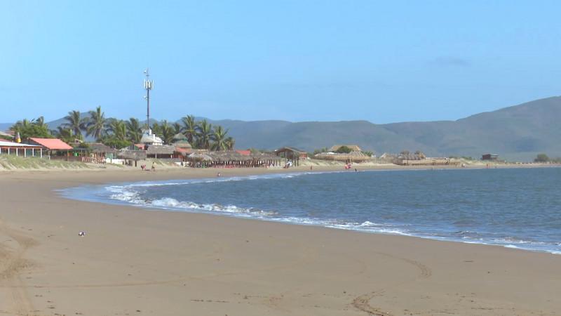Piden autoridades evitar meterse al mar en el Maviri, debido a fuga de combustible por choque de embarcaciones