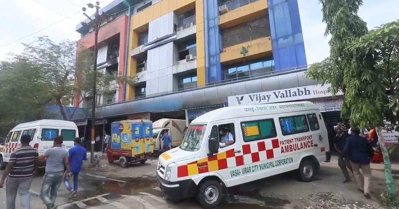 Mueren 13 personas por incendio en un hospital Covid de la India