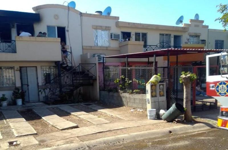 Se incendia casa duplex en Urbi Villas del Prado