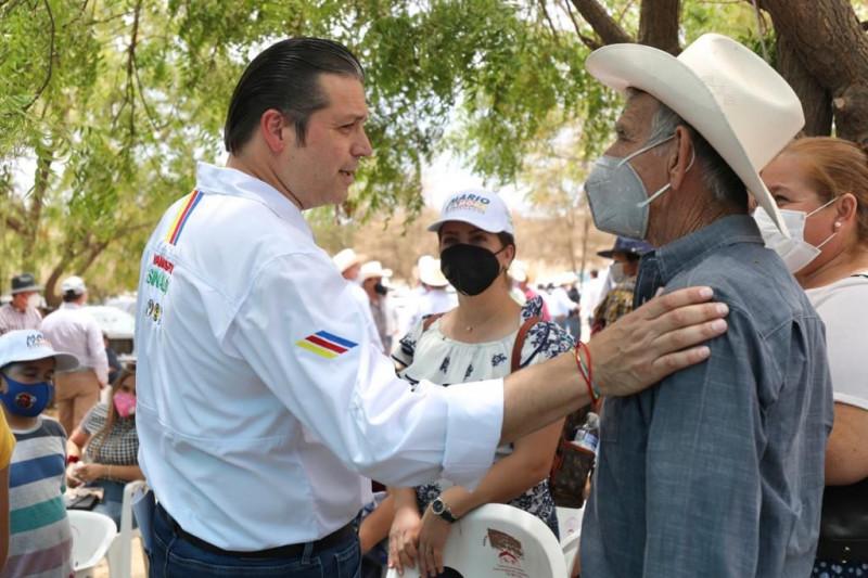 Ganaderos de Mazatlán se ponen la camiseta y van con Mario para gobernador