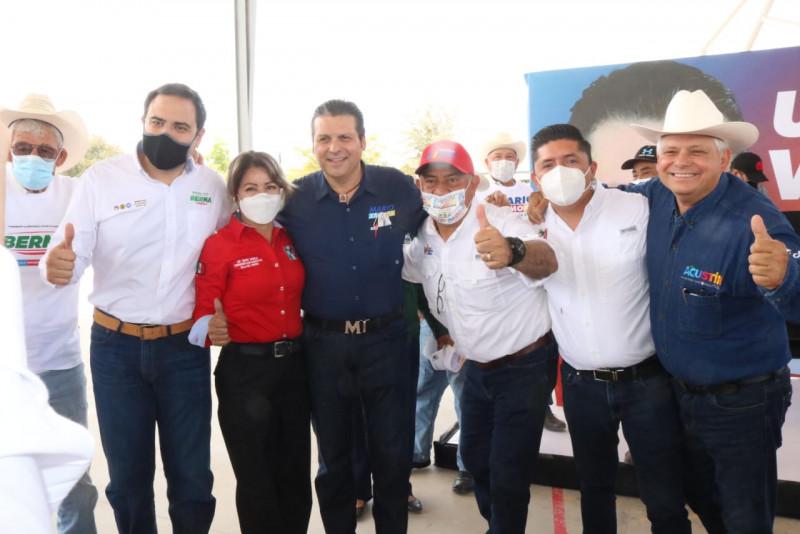 Marcos Osuna se comprometió o a cumplir y atender las demandas que tienen los habitantes de la comunidad enclavada en los límites entre Sinaloa y Sonora