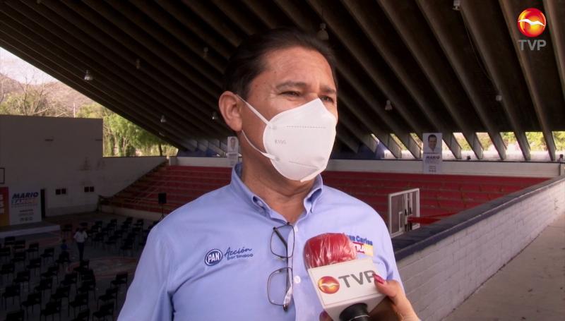 Juan Carlos Estrada desvía 400 mil pesos y ni se incomoda