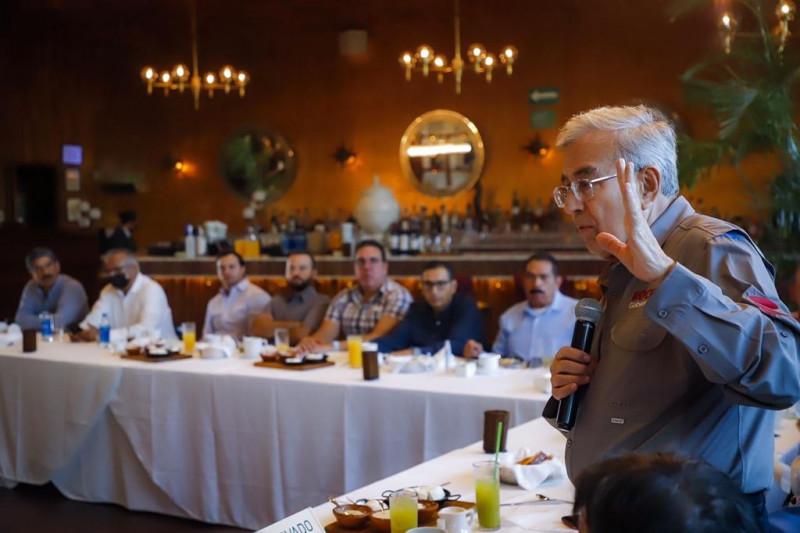 El combate a la corrupción alienta la modernización del Estado: Rocha Moya a empresarios