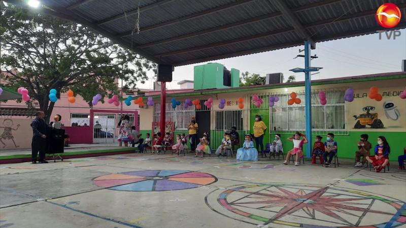 Festejan a los niños y niñas de una forma diferente en Mazatlán