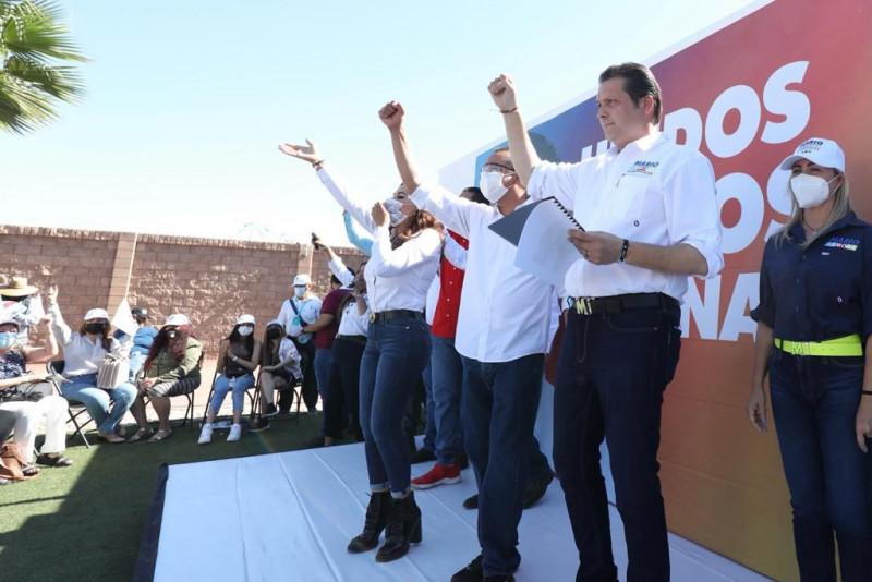 Trabajadores afiliados al STASAC van con Mario Zamora