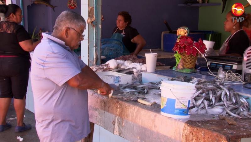 Buenas  ventas de pescados y mariscos en Mazatlán