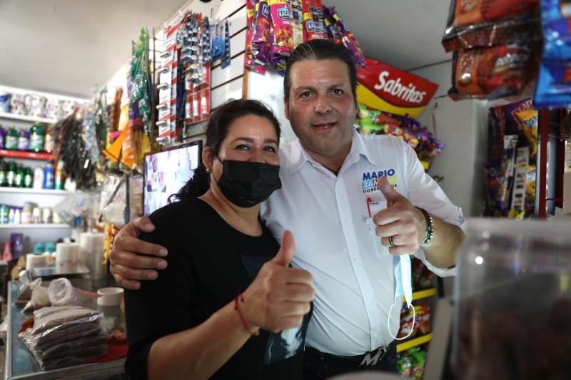 Lleva Mario Zamora sus propuestas casa por casa