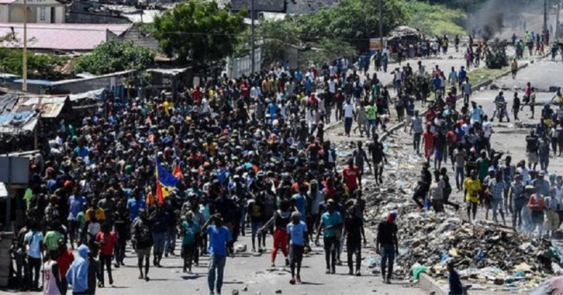 Los haitianos no creen en la vacuna y no quieren que llegue